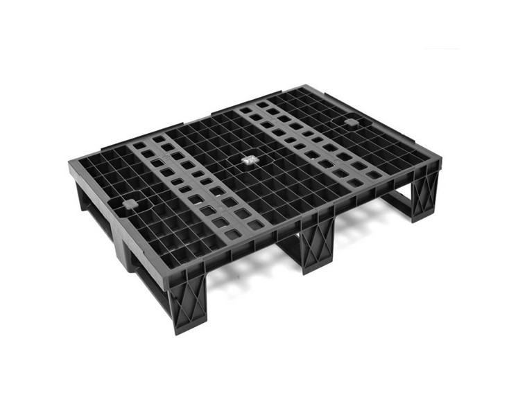 NESTABLE HALF PALLET WITH RUNNERS